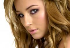Зеленые глаза, девушка блондинка, взгляд, красавица