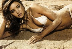 2560x1440, Красивая девочка на пляже HD заставки