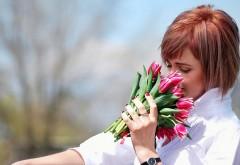девочка, пахнущие тюльпаны