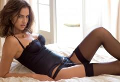 Фото красивой девушки в сексуальном нижнем белье