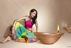 Девушка в индийской одежде