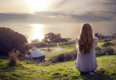 Девушка на закате картинки