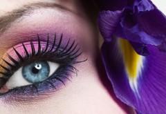 Красивые глаза девушки мейкап обои