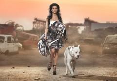 Певица INNA с белой собакой картинки на рабочий стол ска�…