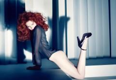 Девушка с красными волосами обои hd