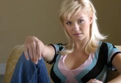Взгляд блондинки широкоформатные обои hd