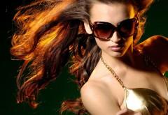 Шикарная девушка в очках обои hd