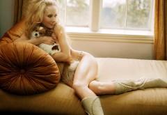 Блондинка с собачкой картинки на рабочий стол