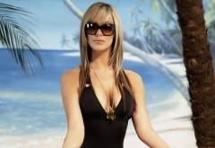 Блондинка на пляже картинки на рабочий стол