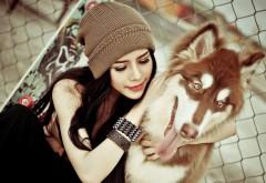 Симпатичная девушка с собакой картинки