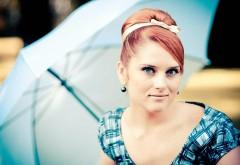 Девушка с рыжими волосами и голубыми глазами картинки