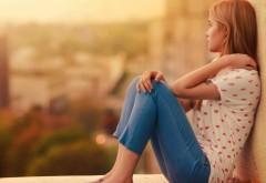 HD обои девушка модель в джинсах бесплатно
