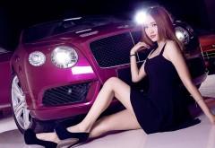 Lulu красотка девушка у автомобиля Bentley Continental на рабочий…