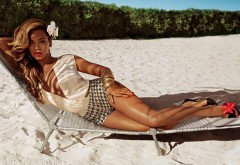Бейонсе певица загорает на пляже фото высокого качест�…